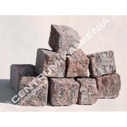 Kostka brukowa granitowa 4/6 cm czerwona surowo-łupana otaczana (rustykalna)